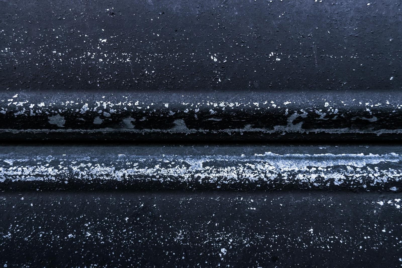 「黒い塗装が取れる黒い塗装が取れる」のフリー写真素材を拡大