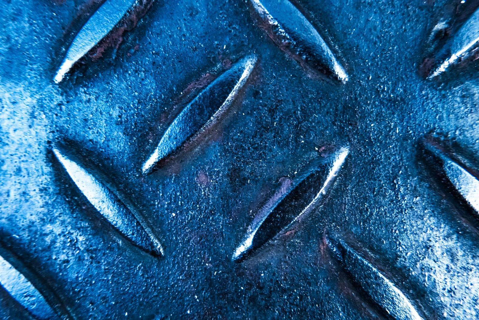 「青白い足場板(メタル)」の写真