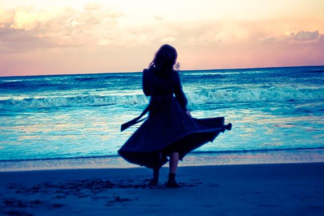 傷心の海辺の写真
