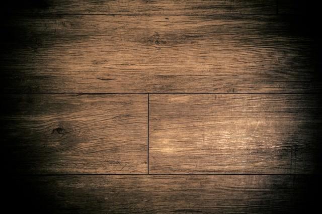 すさんだ床の写真