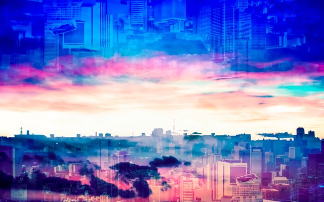 重なり合う朝と夕方の都市(フォトモンタージュ)の写真