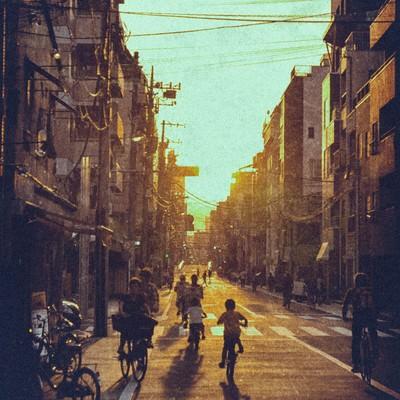 「夕焼けと町並み」の写真素材