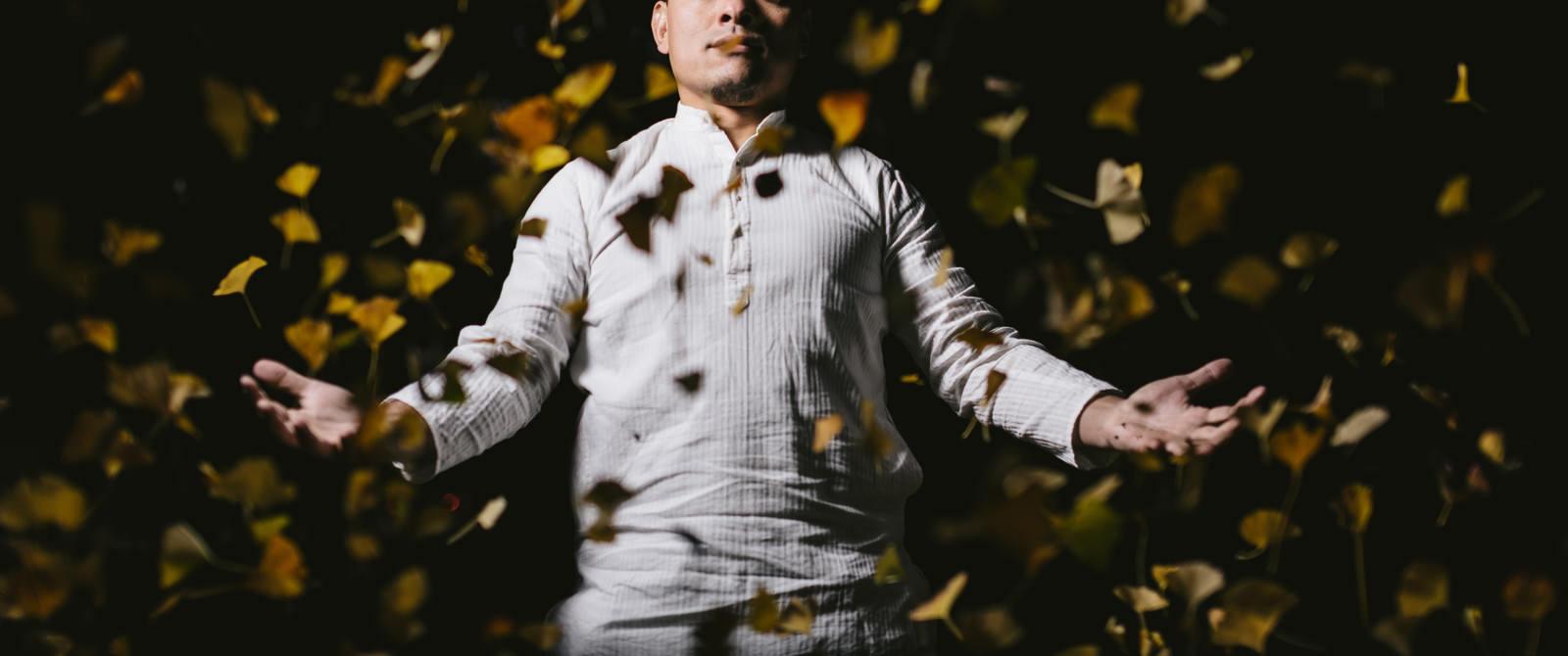 「この落ち葉が札束に変わる日も近いですよ」の写真