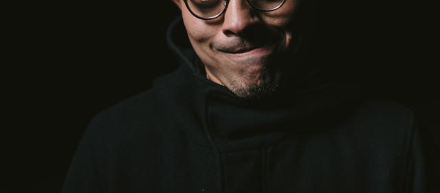 暗がりメガネさんの写真