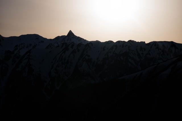 槍ヶ岳のシルエットの写真
