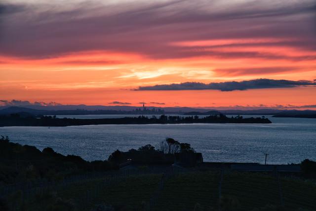 オークランドの夕焼けと海岸(ニュージーランド)の写真
