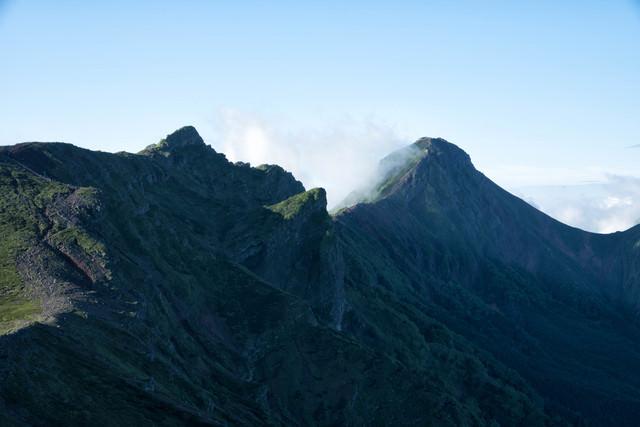 横岳と赤岳の姿(八ヶ岳)の写真