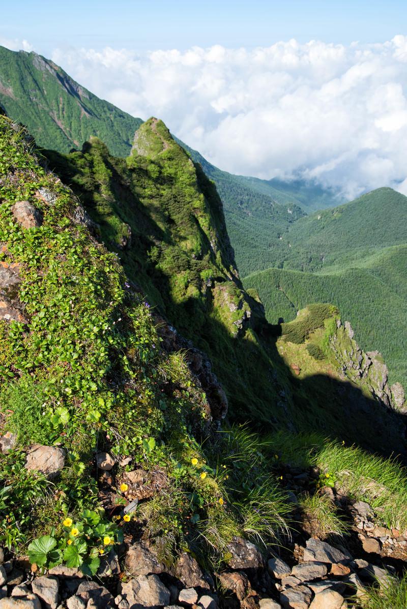 「横岳の岩場からの眺望(八ヶ岳)」の写真