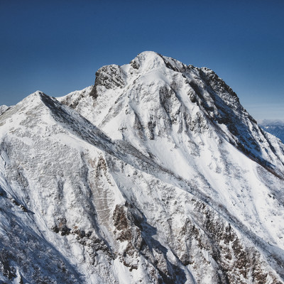 厳冬期の阿弥陀岳の写真