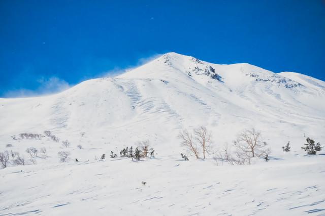 乗鞍高原から望む剣ヶ峰(北アルプス)の写真