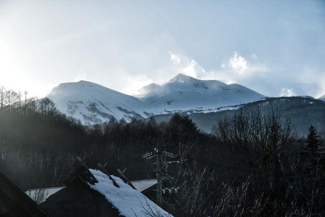 麓から見上げる乗鞍岳(北アルプス)の写真