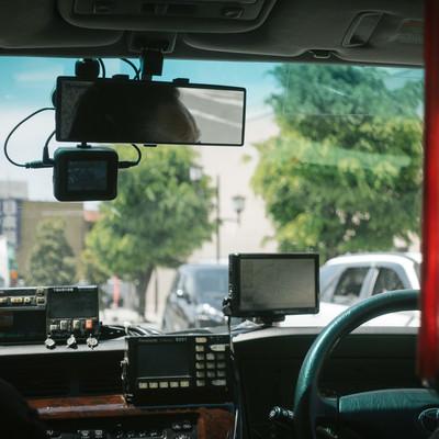 「タクシーの後部座席」の写真素材