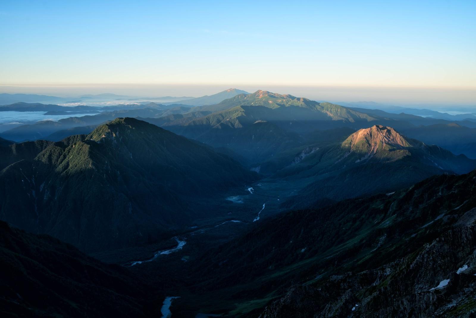 「山頂から望む上高地の風景」の写真