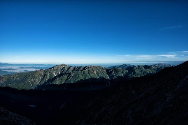 笠ヶ岳と青い空の写真