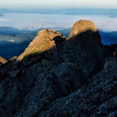 西穂高岳に続く稜線と雲海の写真