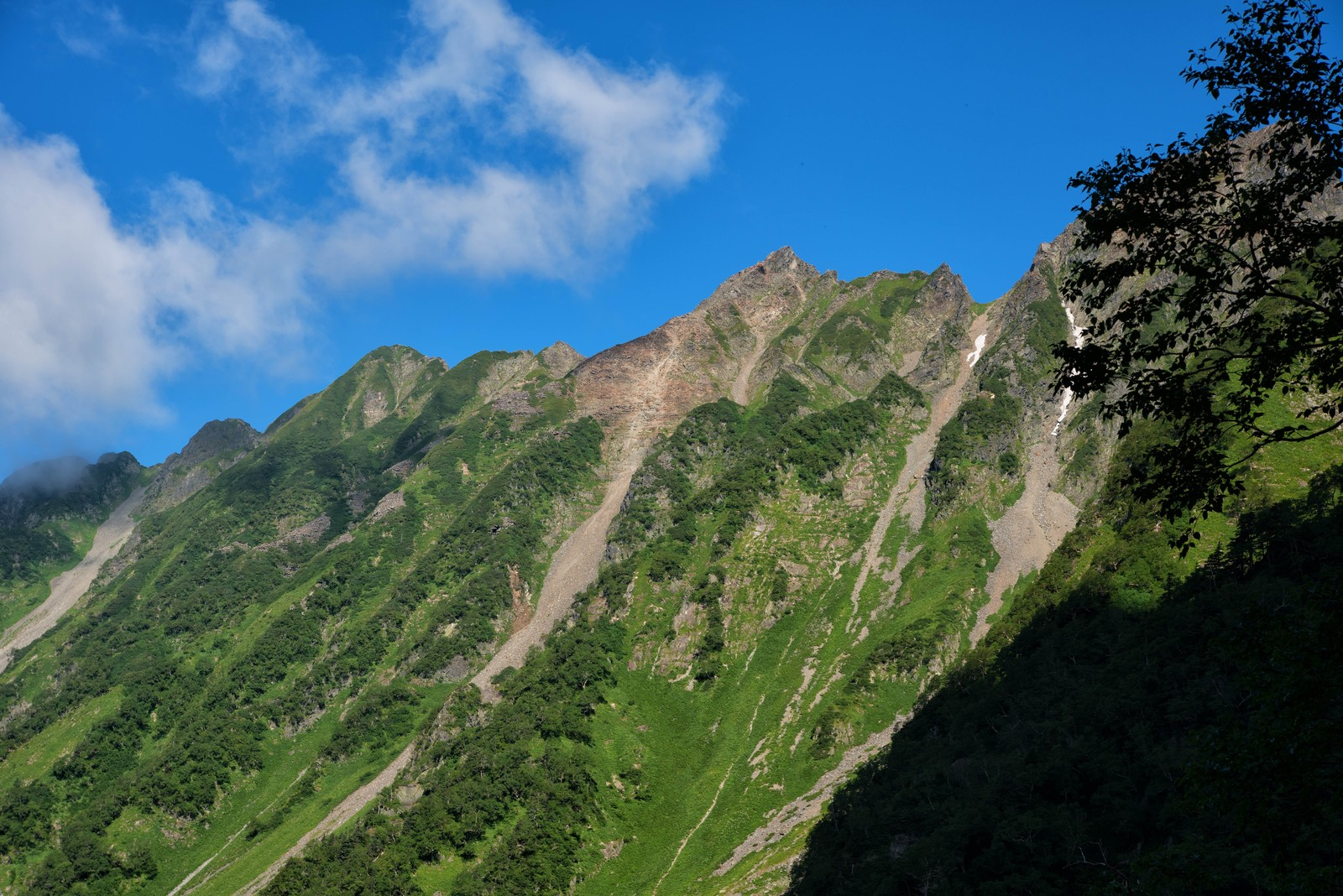 「西穂高岳のピラミッドピーク」の写真