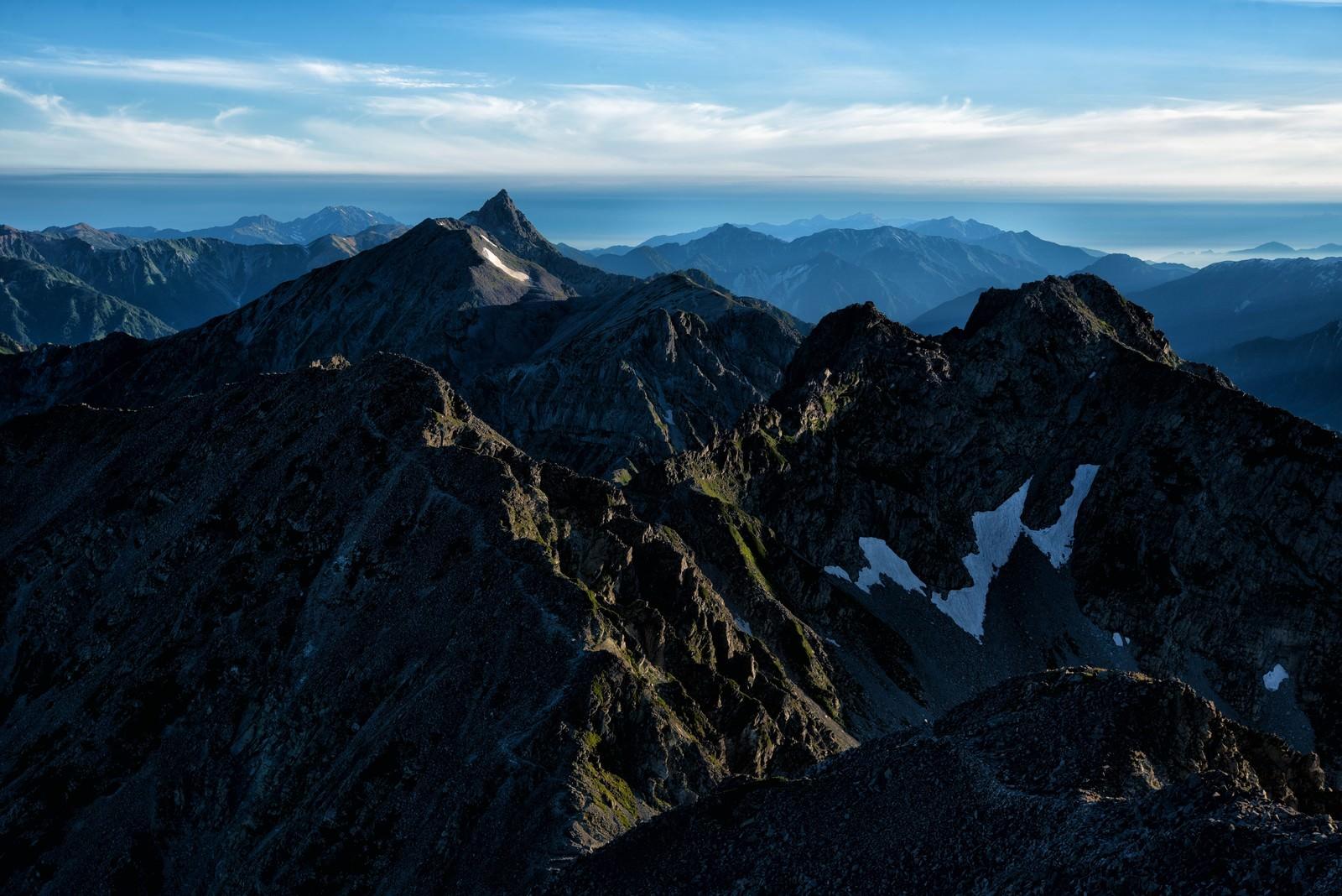 「飛騨山脈の荒ぶる稜線」の写真