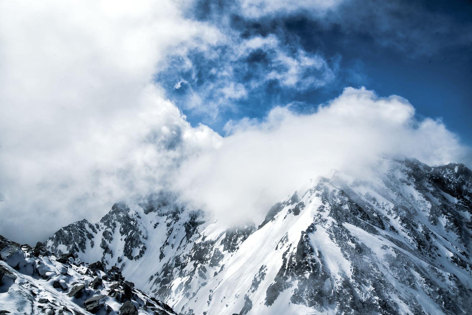 「湧き上がる雲と穂高連峰(飛騨山脈)」の写真