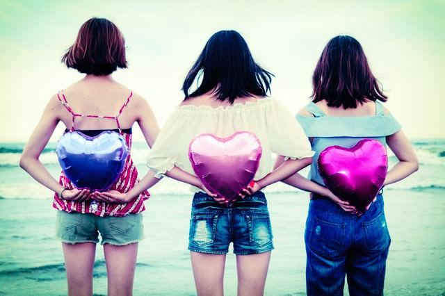 告白タイム(女子三人組)の写真