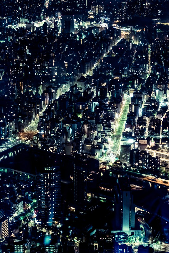 ビル群の夜景の写真
