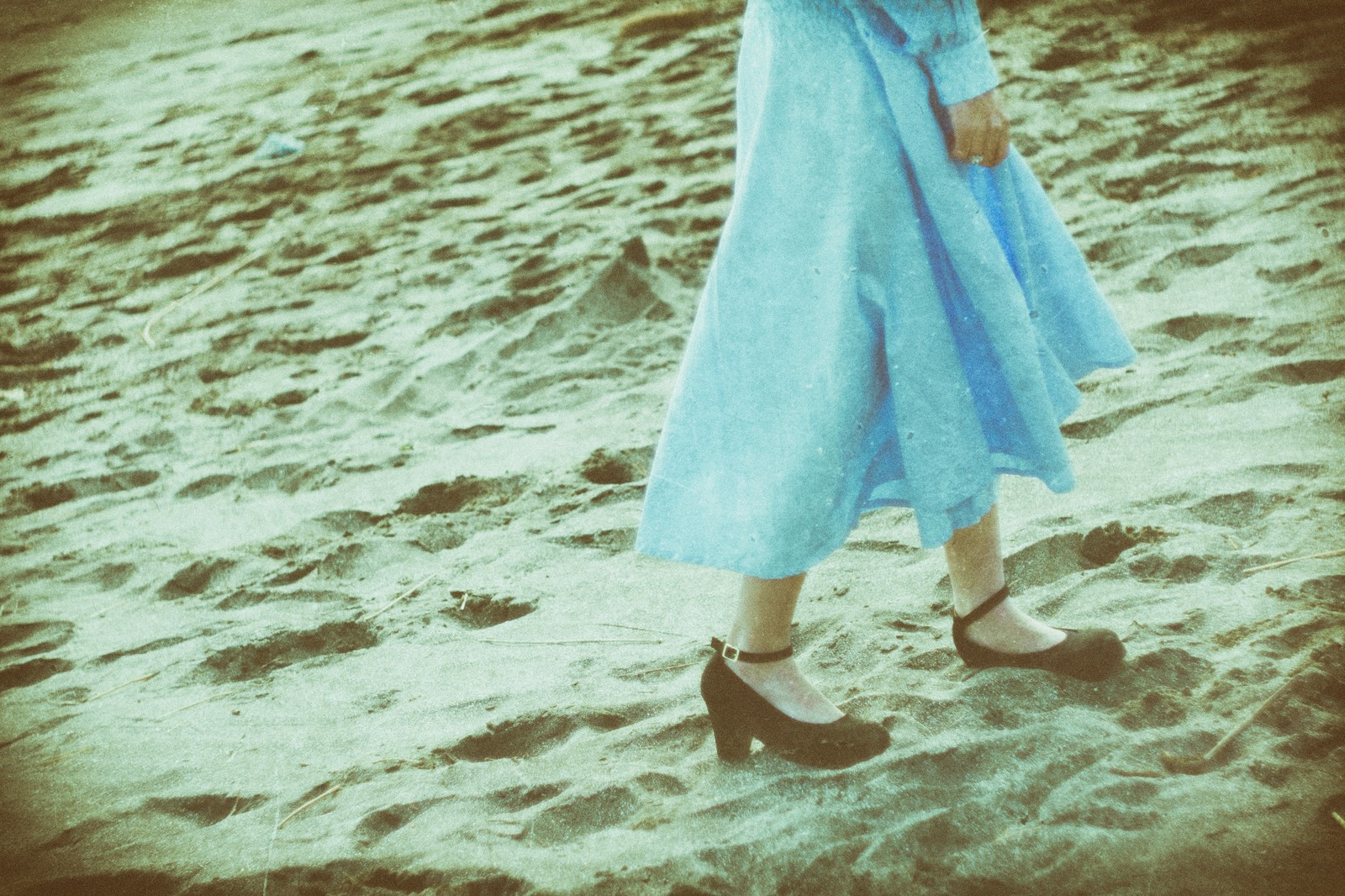 「2人で行った旅行先の海岸」