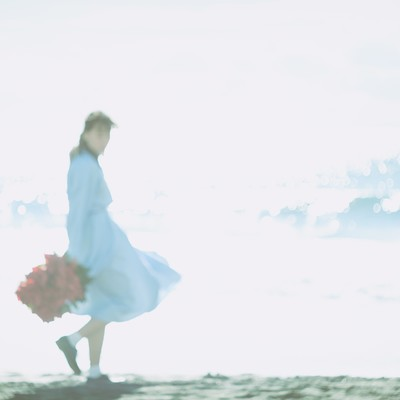 海面の反射と彼女の写真