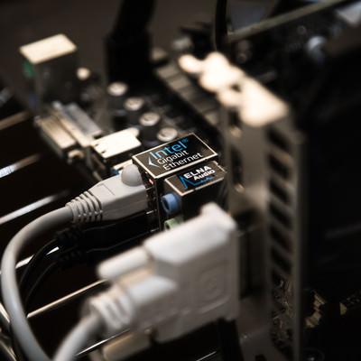 「マザーボードに有線LANケーブルを接続」の写真素材