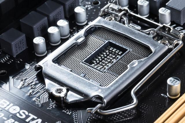 LGA1151ソケット(マザーボード側)の写真