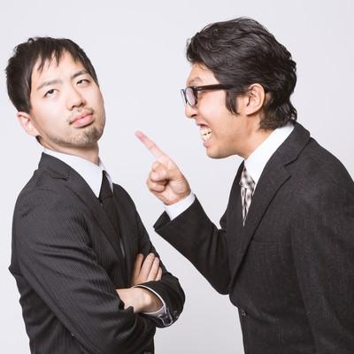 「何度言っても改善しないゆとり社員と怒鳴り散らす上司」の写真素材