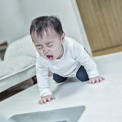 「大型のアルゴリズム変動でアフィサイトが軒並み飛んだ時(赤ちゃん)」の写真素材