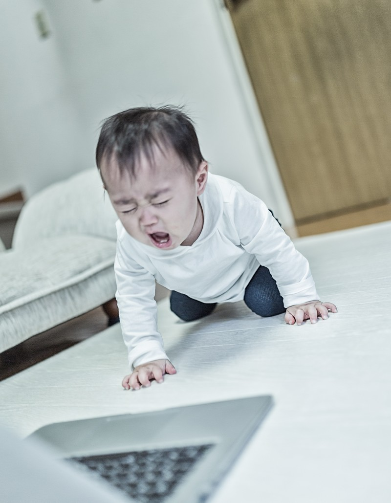 「大型のアルゴリズム変動でアフィサイトが軒並み飛んだ時(赤ちゃん)」の写真[モデル:Lisa]