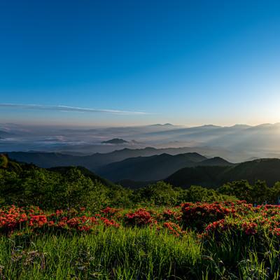 雲海と山並みの写真