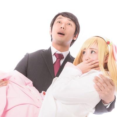 「念願のお姫様抱っこでRomanticが止まらないビジネスマン」の写真素材