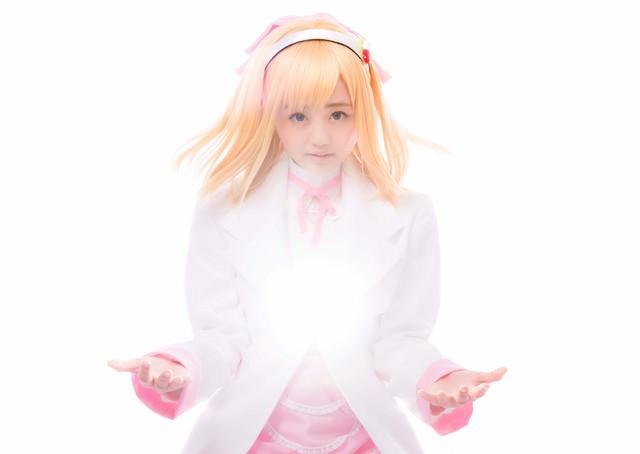 ファーマシストエナジーを高ぶらせる薬剤師少女の写真