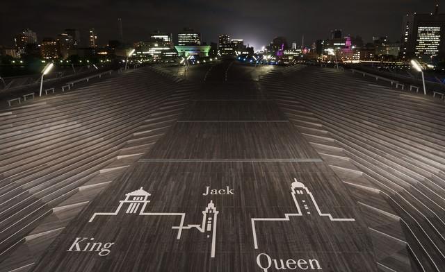 深夜の大さん橋(横浜三塔の絵柄)