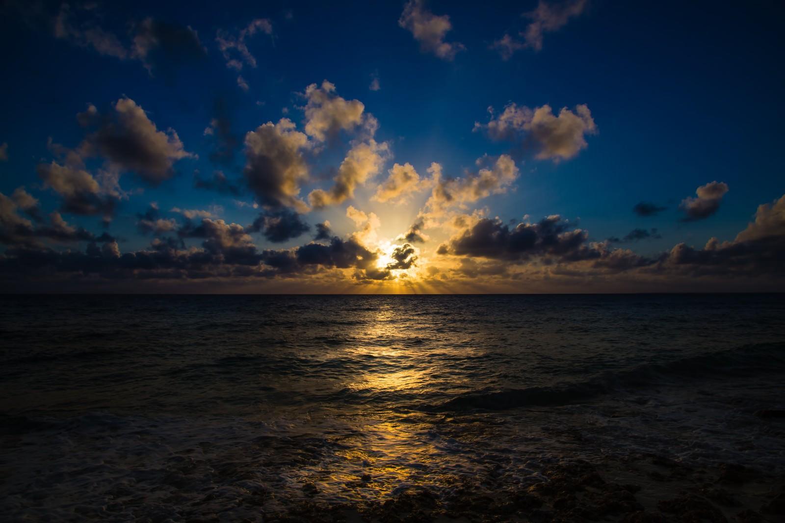「宮古島長間浜の夕焼け」の写真
