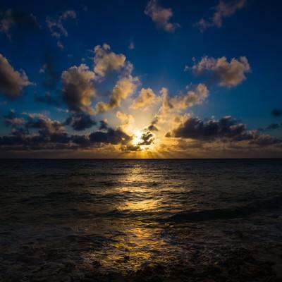 「宮古島長間浜の夕焼け」の写真素材