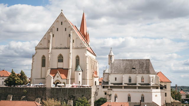 ズノイモ市の聖ニコラス教会(チェコ共和国)の写真