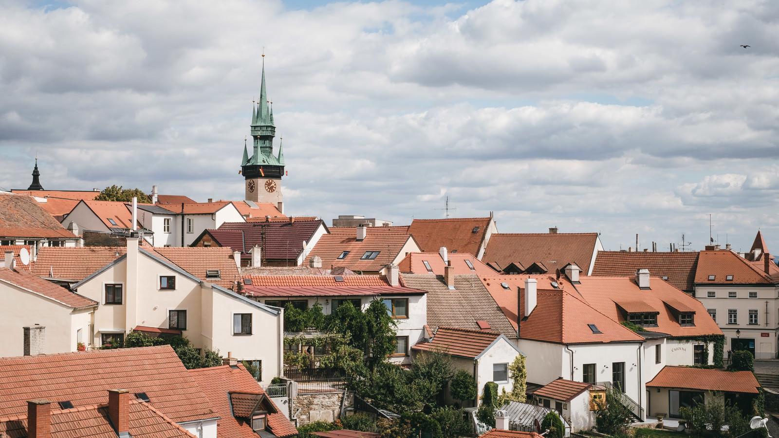 「ズノイモ市街と時計台(チェコ共和国)」の写真