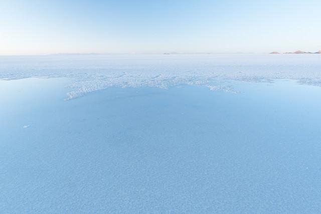 ウユニ塩湖の雨季の写真
