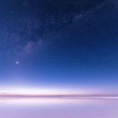 「ウユニ塩湖の星空」の写真素材