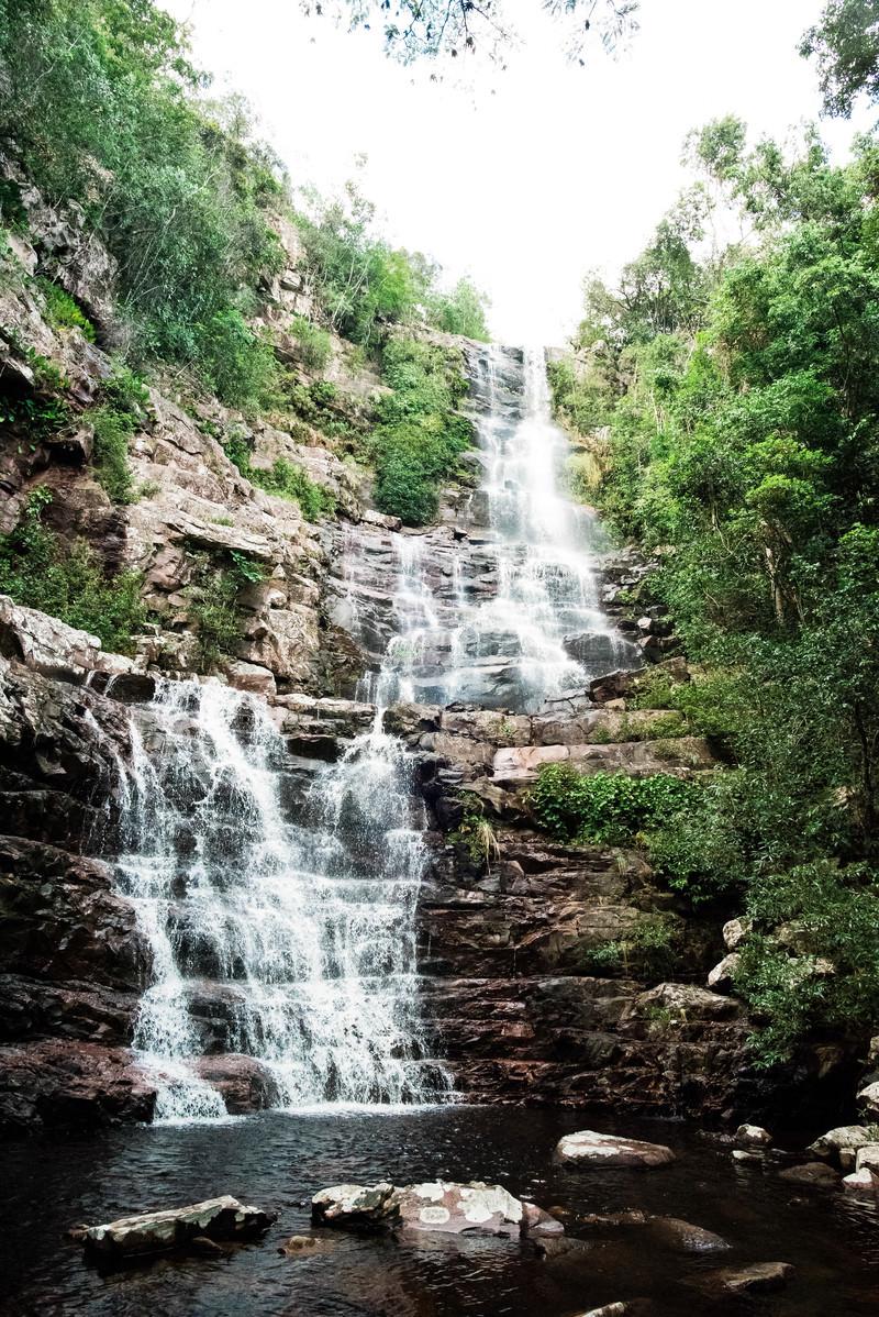 「段に分かれ落ちる滝」の写真