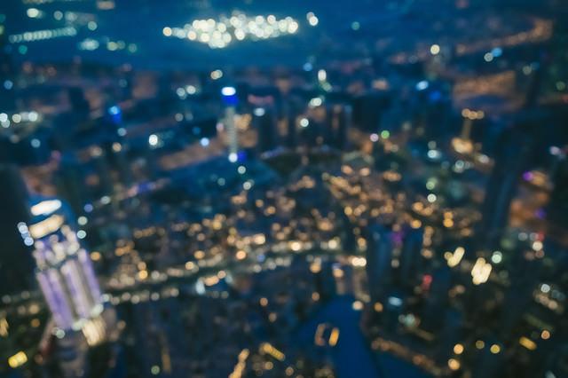 高層ビルからのドバイの夜景(ボケ)の写真