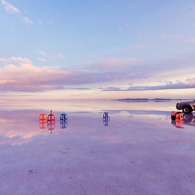 「ウユニ塩湖ツアー」の写真素材