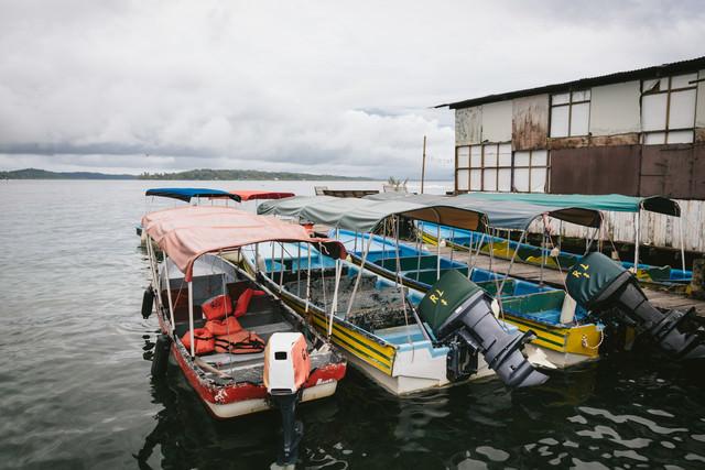 パナマの船着き場の写真