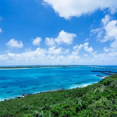 「来間島の竜宮城展望台から見える景色」の写真素材