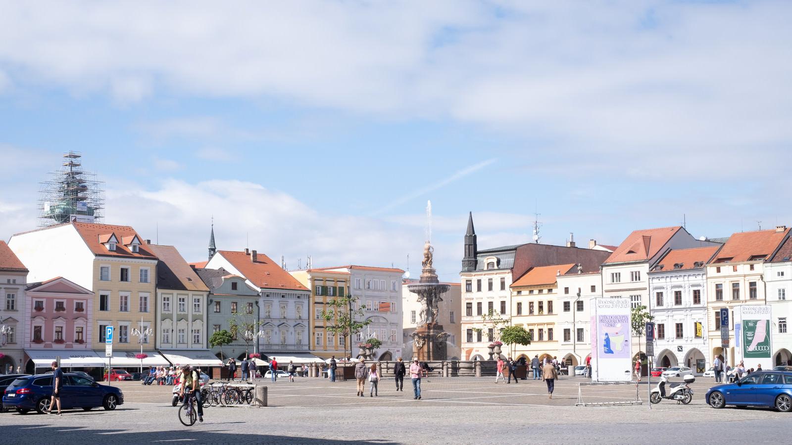 「チェスケーブジェヨヴィツェの空と広場(ブドヴァル)」の写真