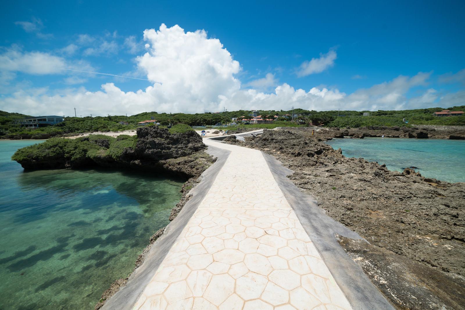 「島への一本道 | 写真の無料素材・フリー素材 - ぱくたそ」の写真