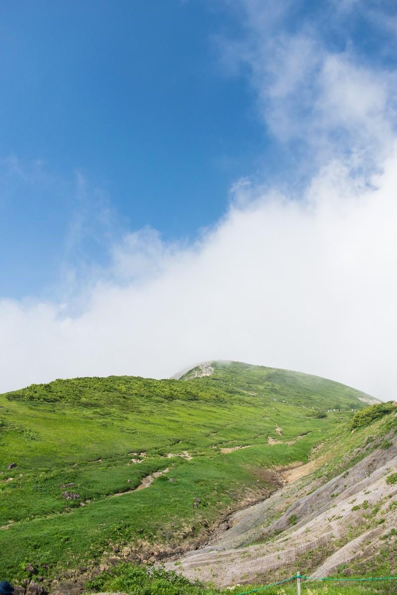「稜線と登山者」の写真