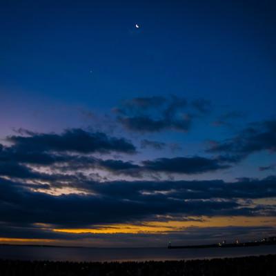 夜明け前の空の写真